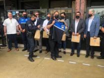 ATESTIGUA KARLA RUIZ MACFARLAND ENTREGA DE BICICLETAS Y CAMISAS A POLICÍA TURÍSTICA..2