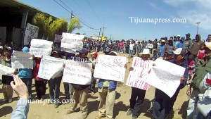 jornaleros-de-sanquintin-en-huelga