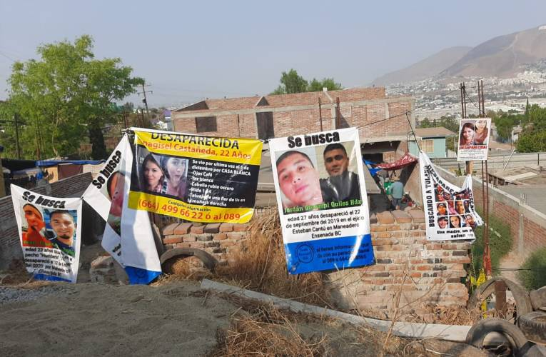 Colectivos de búsqueda de desaparecidos corren a policías de Baja California