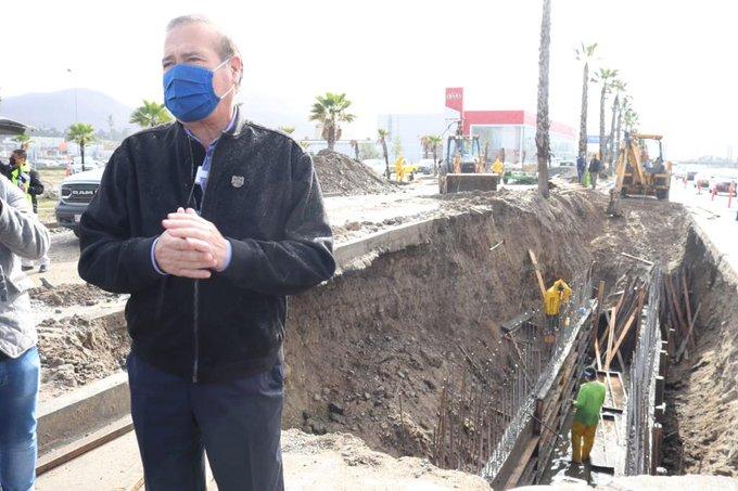 Se va otra vez el alcalde de Tijuana