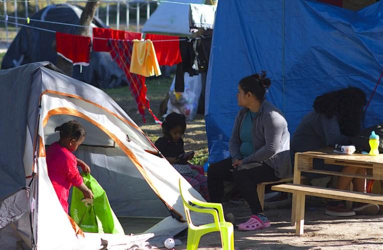 Piden acabar con obstáculos al derecho de asilo en Estados Unidos provocados por la COVID-19
