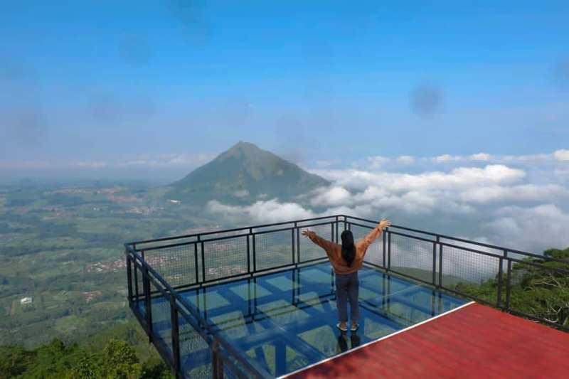 Wisata Gunung Telomoyo Magelang Dengan Awang-Awang Yang Mempesona
