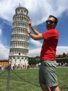 De verplichte foto bij de scheve toren van Pisa.