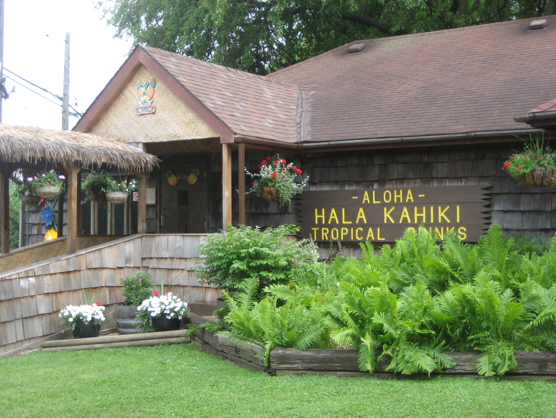 Outside the Hala Kahiki