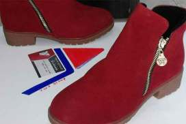 مؤسسة يارا للأحذيه والحقائب     طرطوس