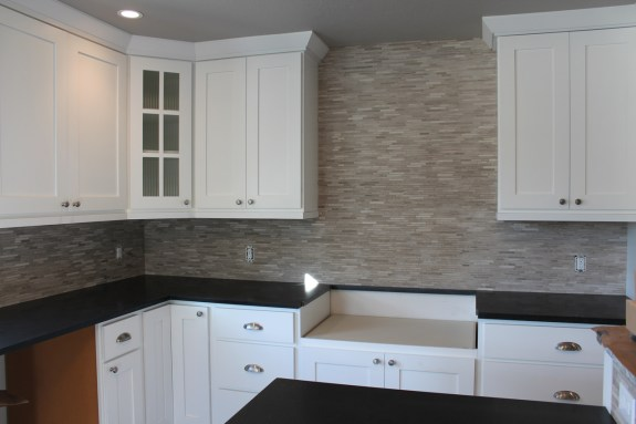 limestone kitche backsplash in Fort Collins