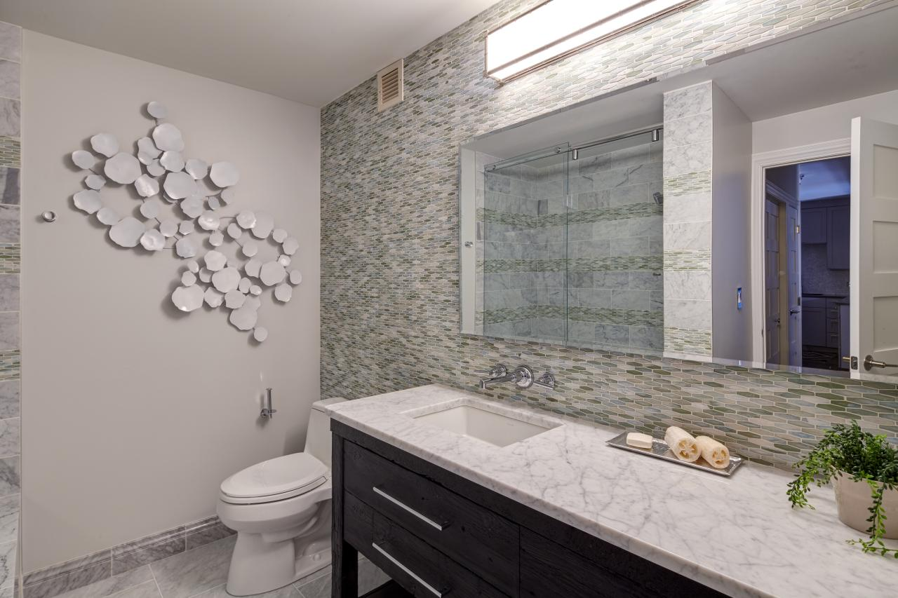 17 Mosaic Glass Bathroom Tiles Amazing Pictures
