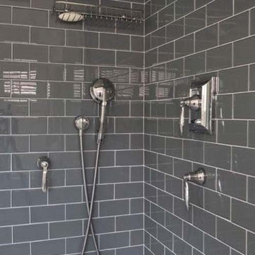 classic dark grey subway tiles 10x20 bevelled dark grey subway tiles these classic dark grey bevelled subway tiles will can add either a modern