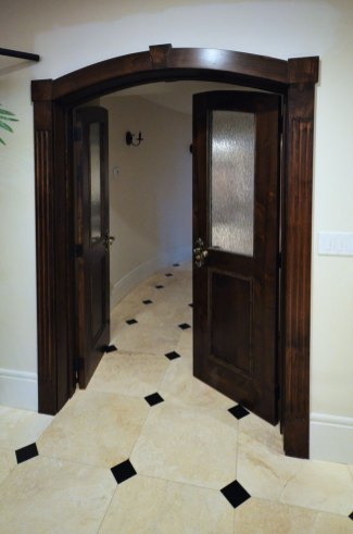 Baja White Travertine Tile installed in an entry way