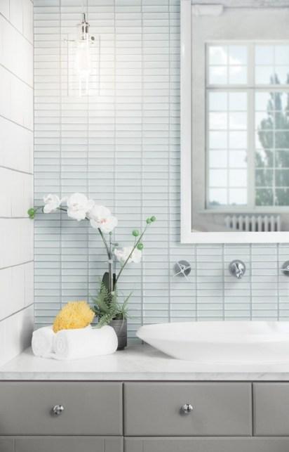 Jeffrey Court Elegant Tones Hue Stack Glass Mosaic in Jubilee installed as a bathroom backsplash