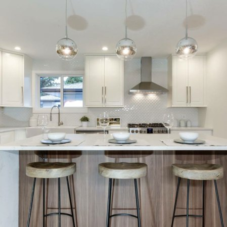 Soho White Convex Loft Ceramic Mosaic installed as kitchen backsplash