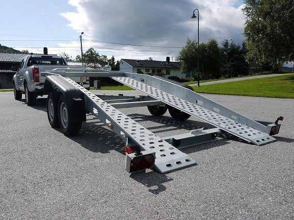 Böckmann AT 401927 Biltransporter med tilt klargjort for å kjøre på