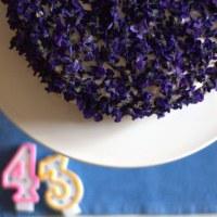 una torta di violette