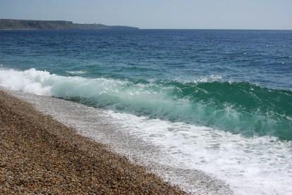 Welle am Chesil Beach