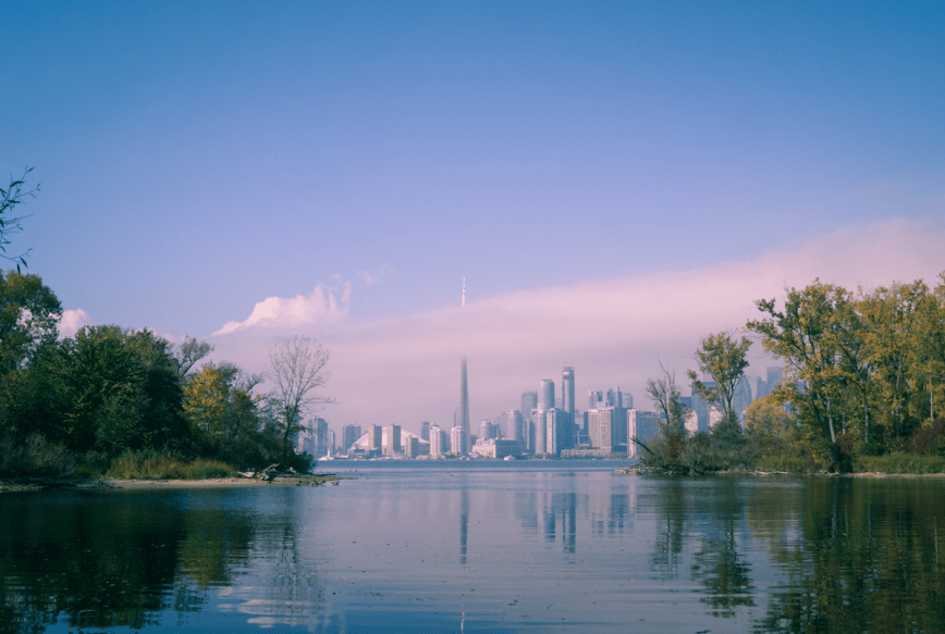 3 Dangerous Factors Fueling Toronto's Crazy Hot Real Estate Market