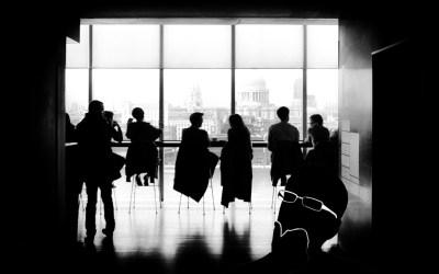 Praktiske tips for å trygge folkene dine når de gradvis vender tilbake til kontoret
