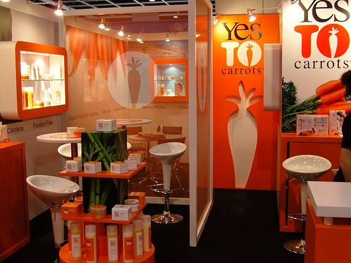 How to Dominate Any Tradeshow, and Why Even Solo Entrepreneurs Should Try