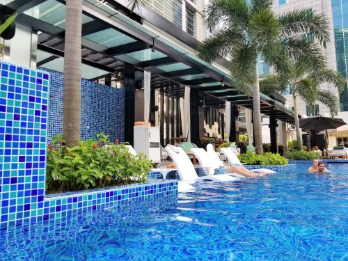 Infinity Pool at SO Sofitel Singapore
