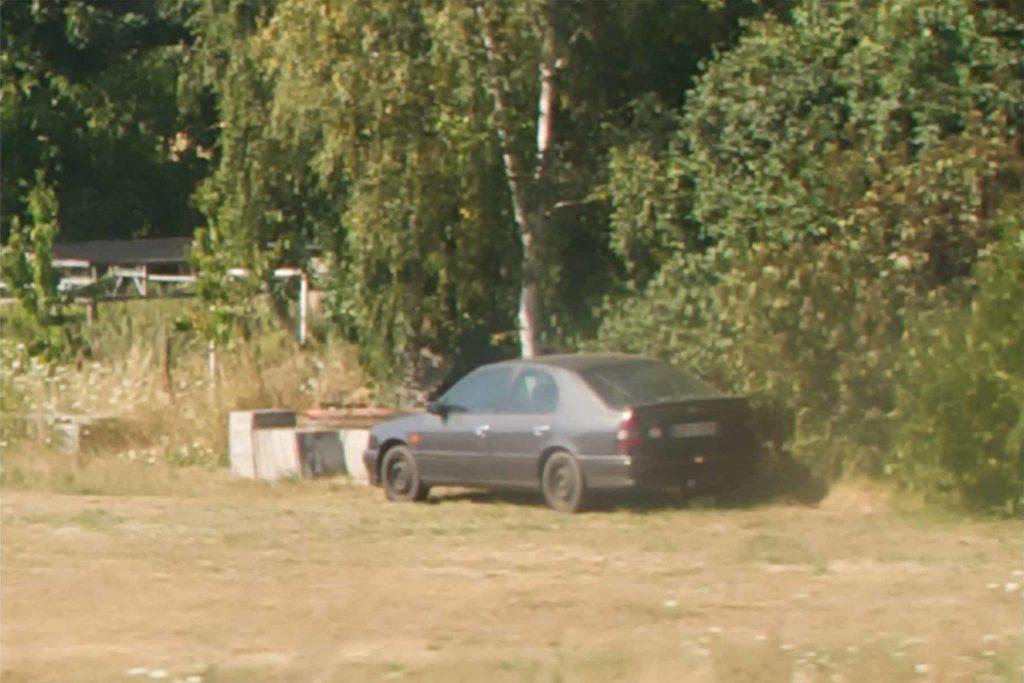 Car in landscape, 100 x 67 cm, 2008