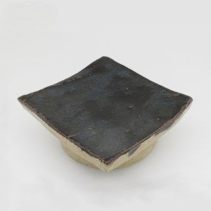 Small square tenmoku dish