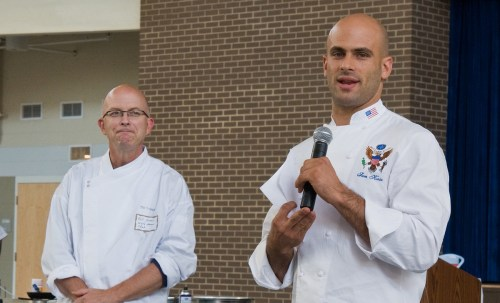 Sam Kass, right, holding court. (Photo: Bob Nichols, USDA)