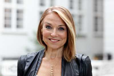 Intimacy, Emotional Baggage, Relationship Longevity, and More – Esther Perel (#271)