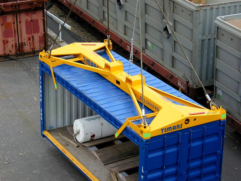 Timars CLift verktyg på en container.