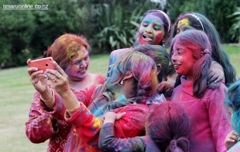 Happy Holi 00045