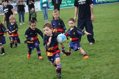 Junior Rugby Kicks Off 00405