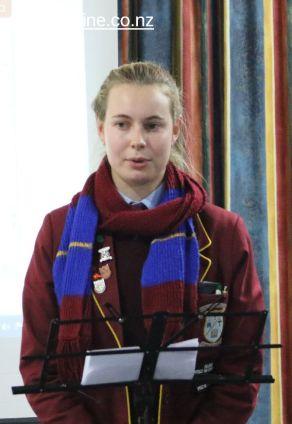 Sophie Lowen, student volunteer