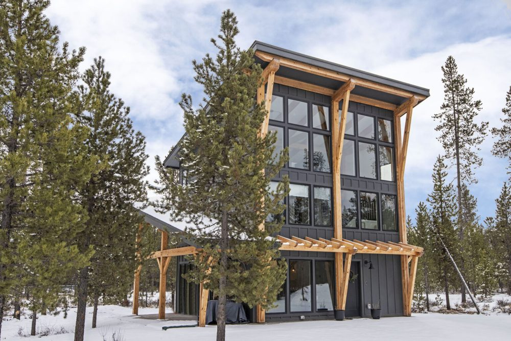 RockyView Timber Frame Home from Woodhouse