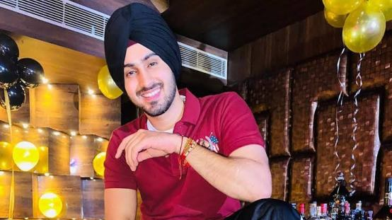 Rohanpreet Singh biography and wiki - Know about Indian playback singer Rohanpreet Singh age, height, songs, net worth, family, girlfriend and more on TimeTips.