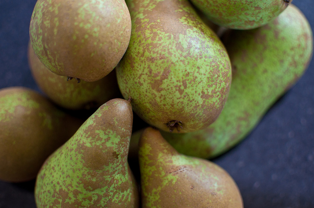 Pears, pears, pears!