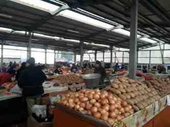 Romanian-market-01