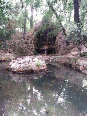 mopana-waterfall-cave-park-01
