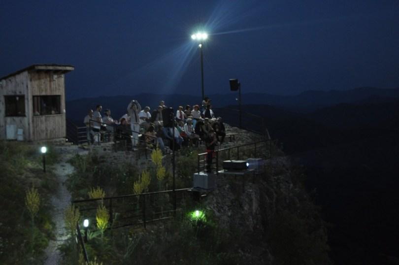аудио-визуален спектакъъл, Момчилова крепост