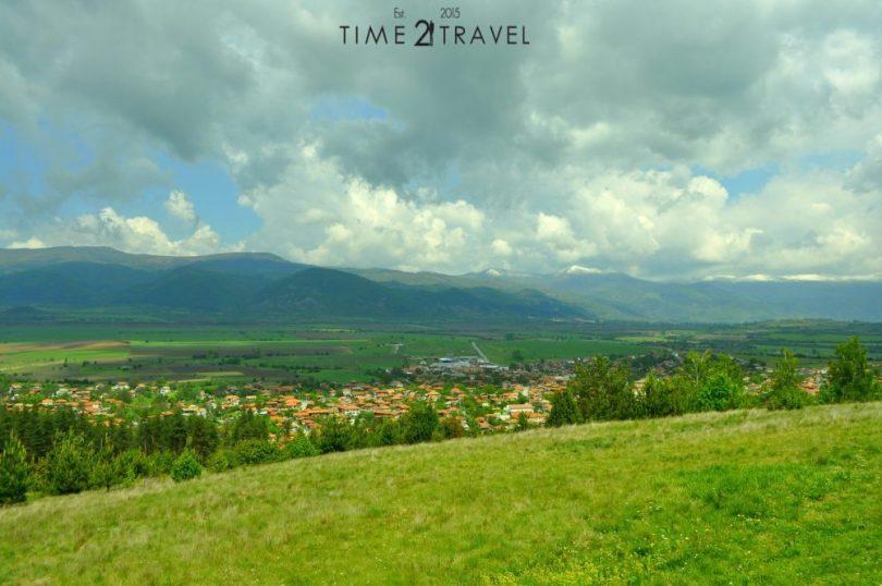 Село Чавдар и Археологически комплекс Тополница