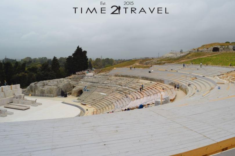 Театърът в Археологически парк Неаполис
