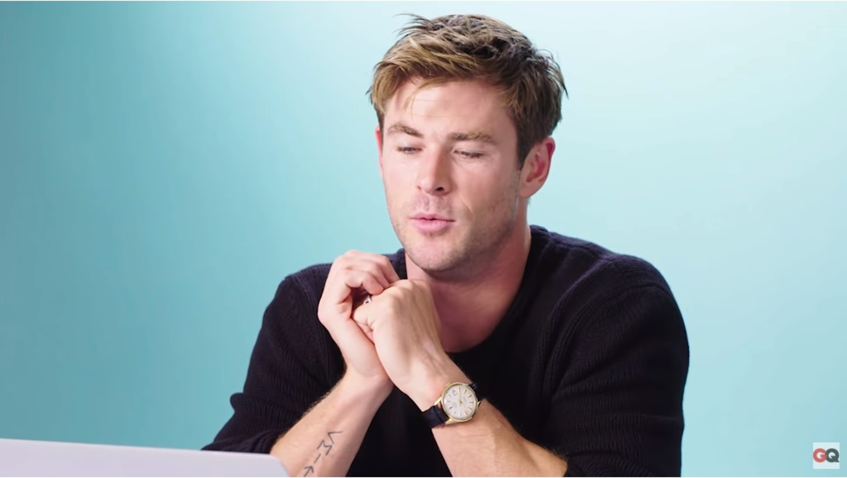 Watchspotting Chris Hemsworth Schools The Internet On How To Casually Wear A Simple Gold Watch