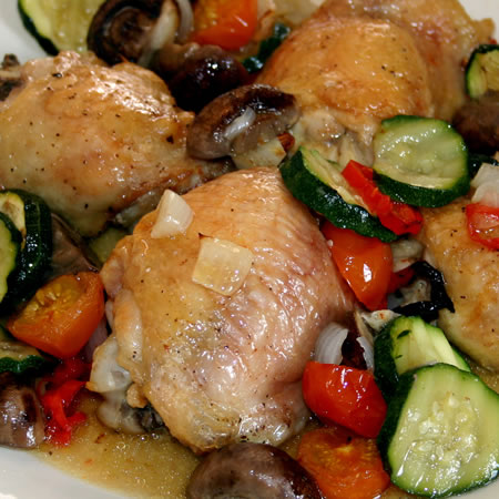 Chicken with mushrooms, tomatoes and courgettes
