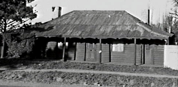 The Cabbage Tree Inn after it closed in the 1960s.