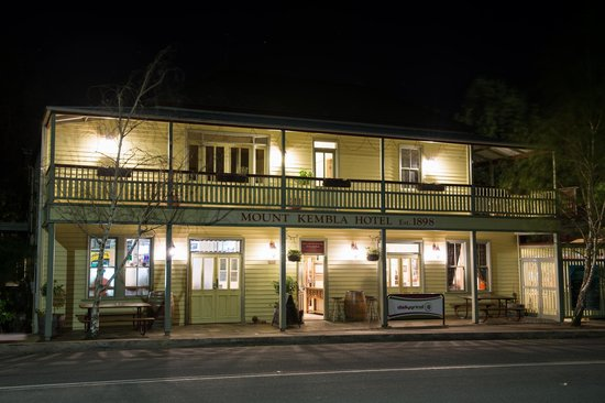 mt-kembla-village-hotel