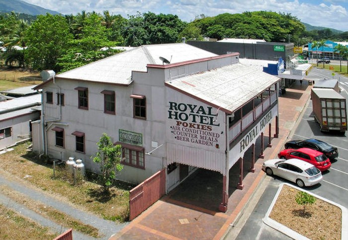 royal hotel mossman 2007