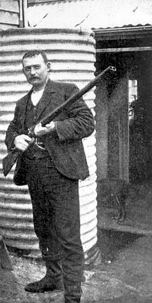 gessner with gun 1900