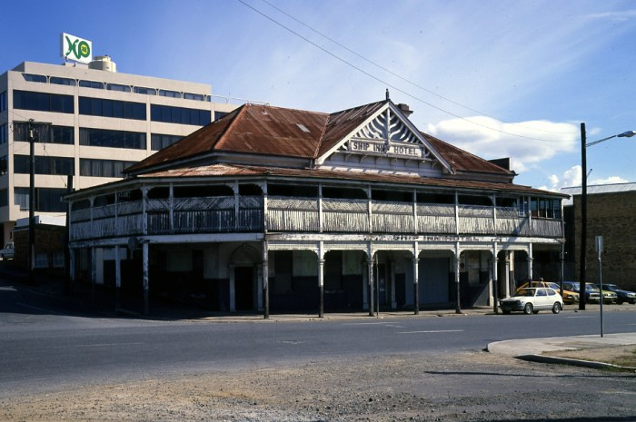 ship inn Brisbane 1980