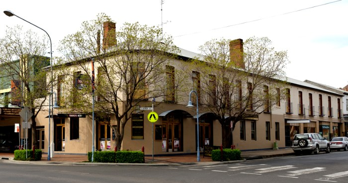 royal hotel parkes nsw