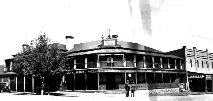 Albion Hotel Braidwood 1928
