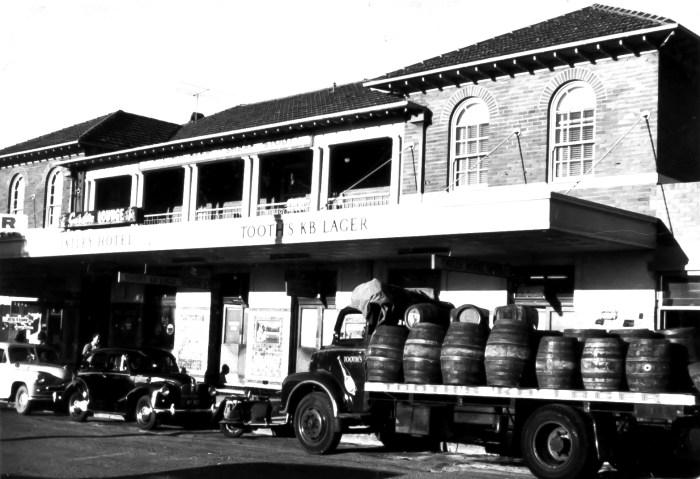 Oatley Hotel anu 1940s