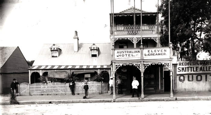 Australian_Eleven_Hotel_and_Redfern_Park,_Redfern_(6768010703)
