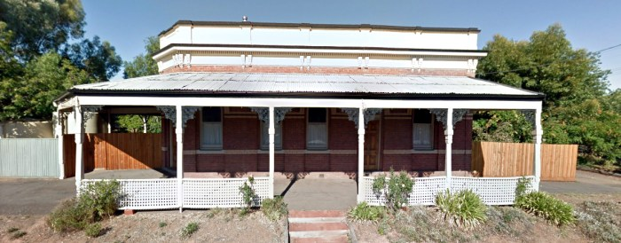 former royal hotel wedderburn victoria google